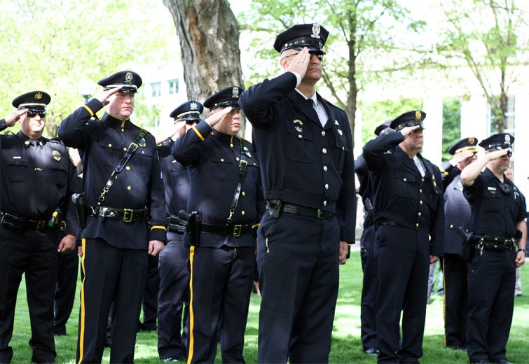 Saluting Fallen Officers / photo by John P aul