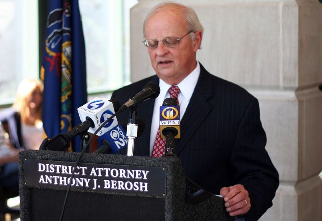 District Attorney's Criminal Investigation Hampers Journalistic Efforts